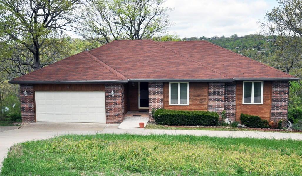 17  Woodland Avenue Kimberling City, MO 65686