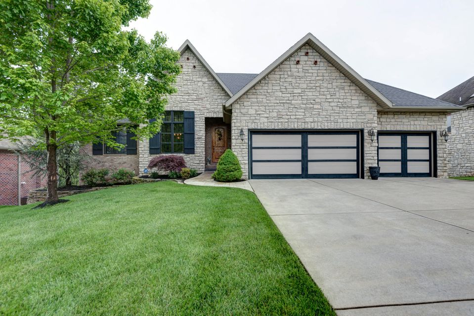 2622 South Forrest Heights Avenue Springfield, MO 65809