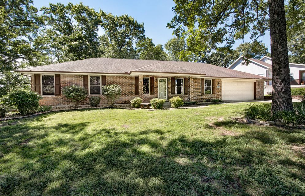 447  Table Rock Heights Hollister, MO 65672