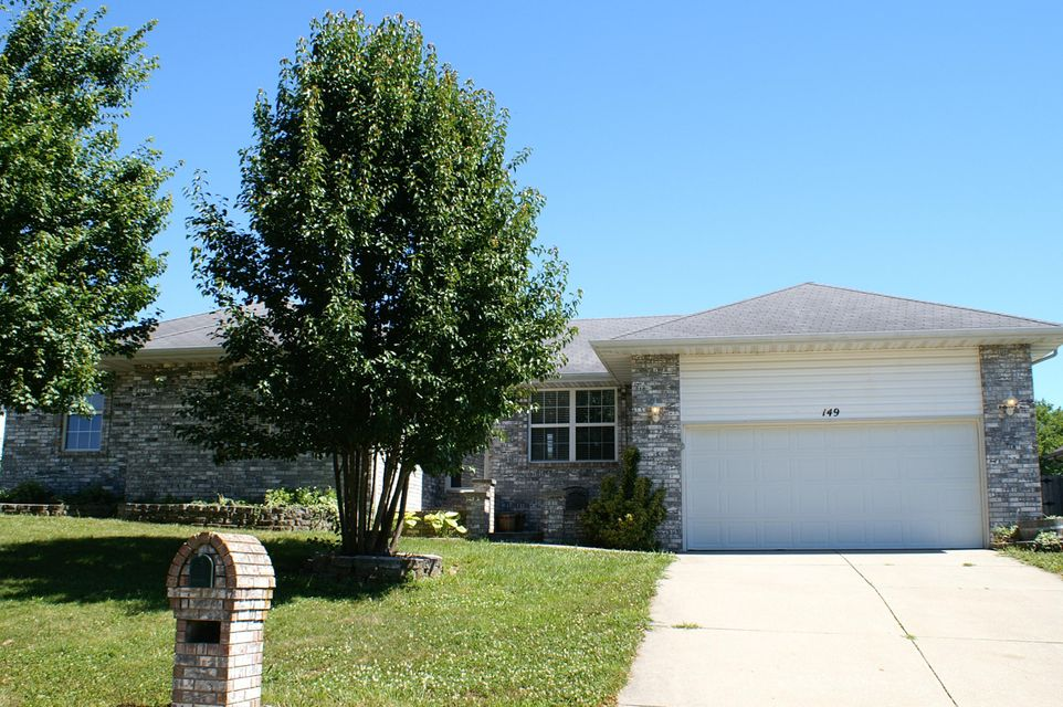 149 West Shady Oaks Drive Nixa, MO 65714