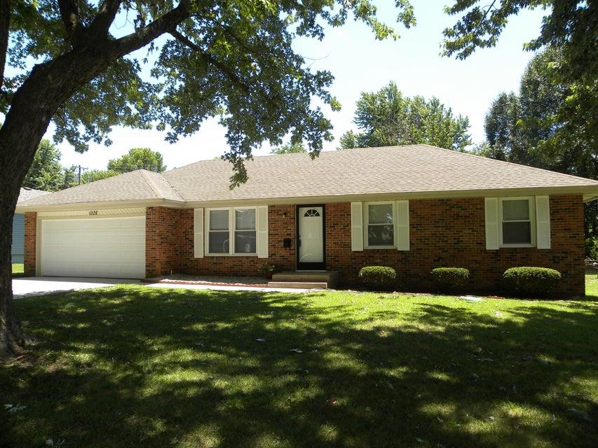 1028 East Greenwood Street Springfield, MO 65807