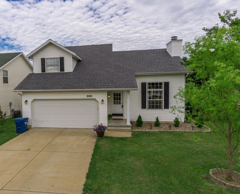 868 South Hackberry Avenue Nixa, MO 65714