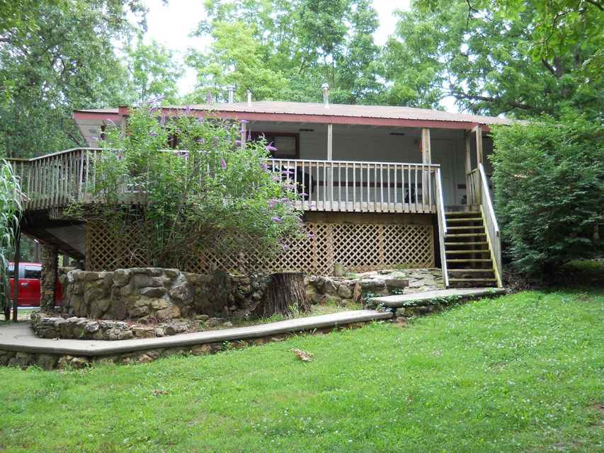 1636 West Dewberry` Road Nixa, MO 65714