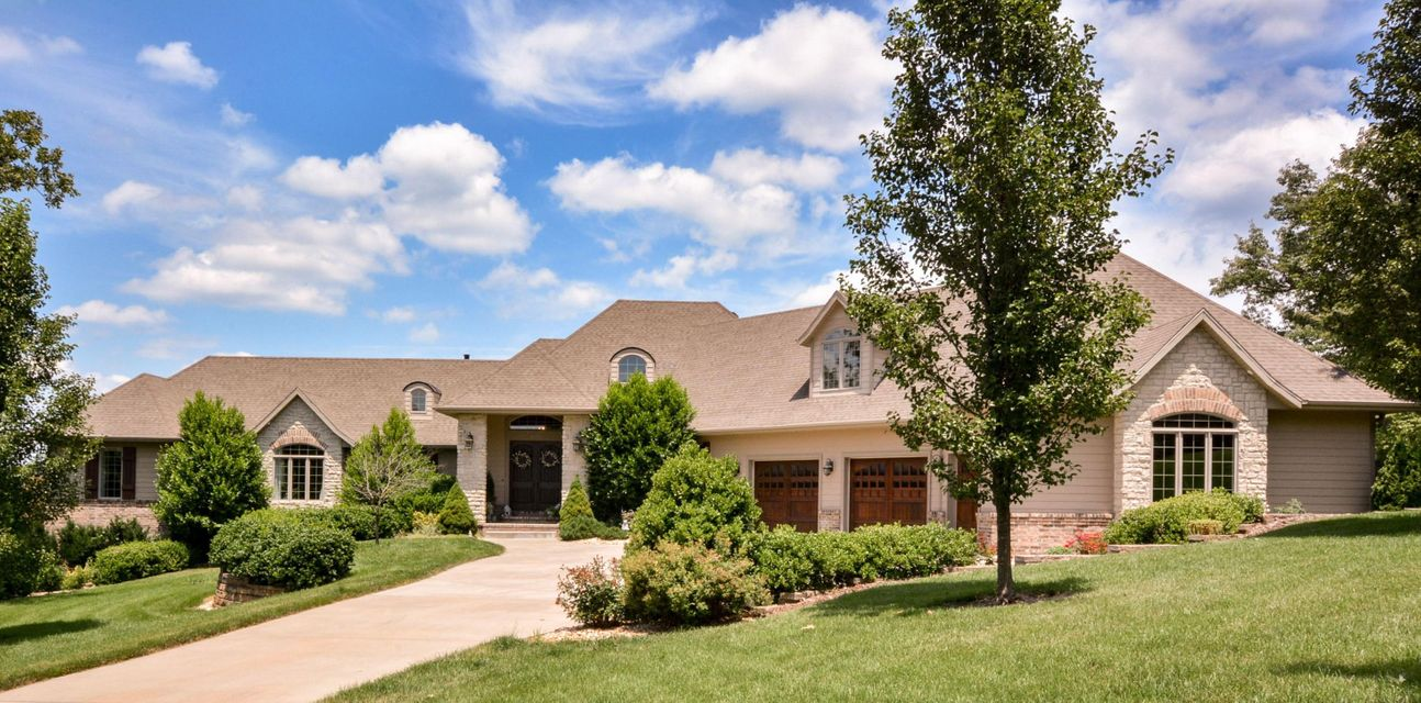 106  Silveroak Way Branson West, MO 65737