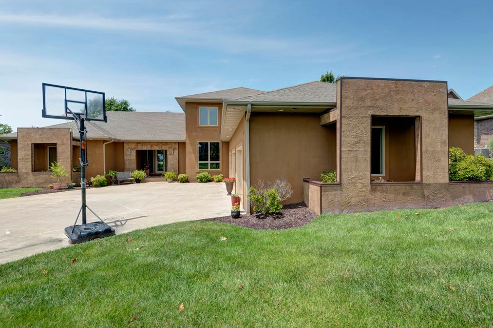 6277 South Weatherwood Trail Springfield, MO 65810