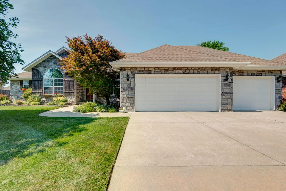 3829 West Eaglecrest Street Battlefield, MO 65619