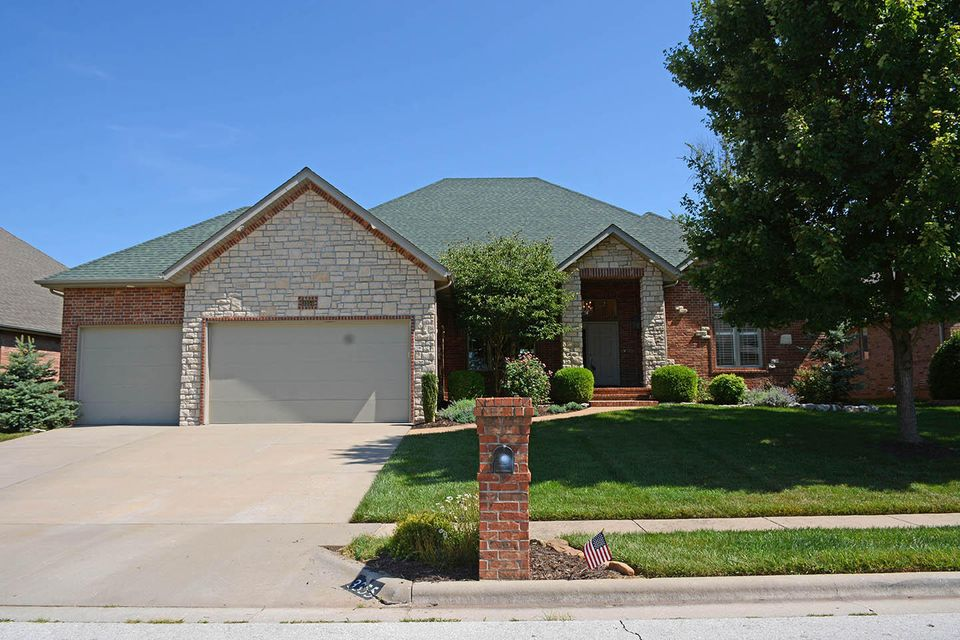 3355 East Manitoo Street Springfield, MO 65804