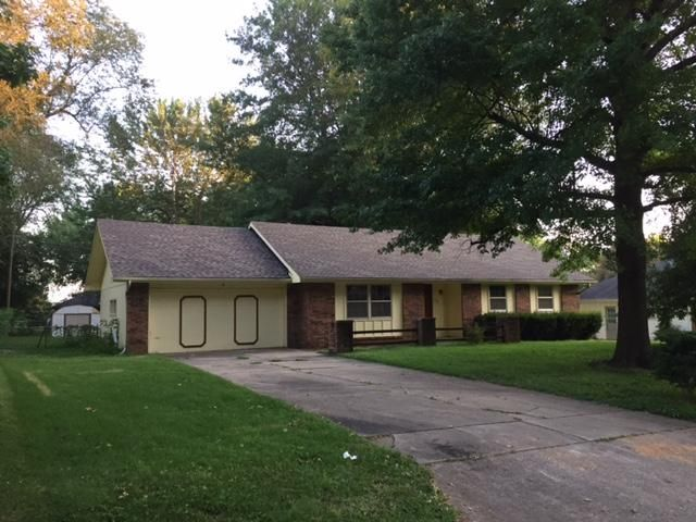 1124 West Riverside Street Springfield, MO 65807