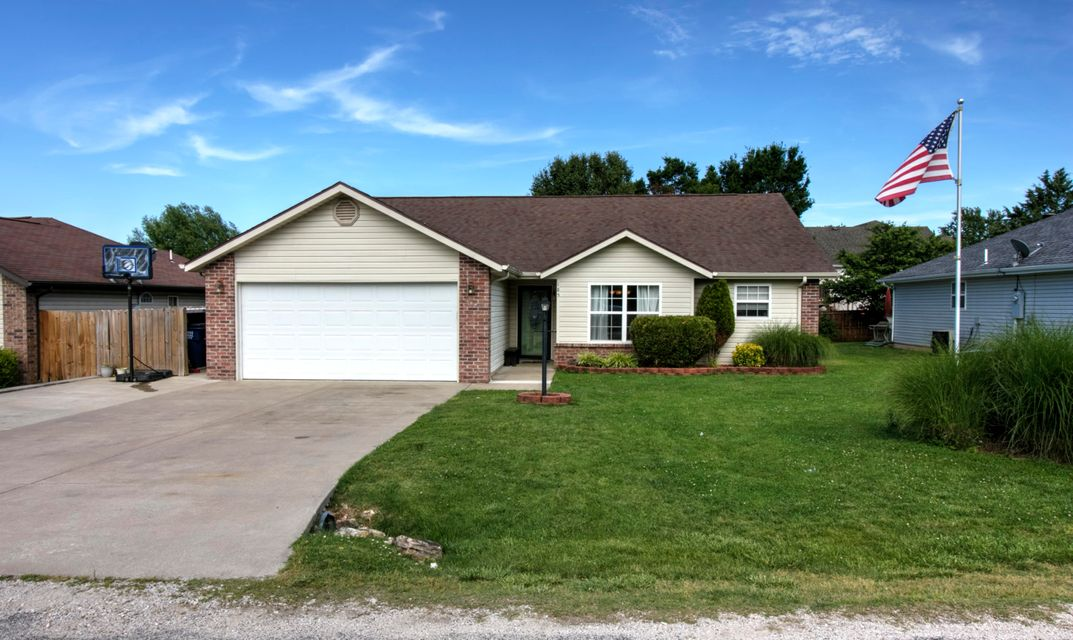 185  Pickett Ridge Kirbyville, MO 65679