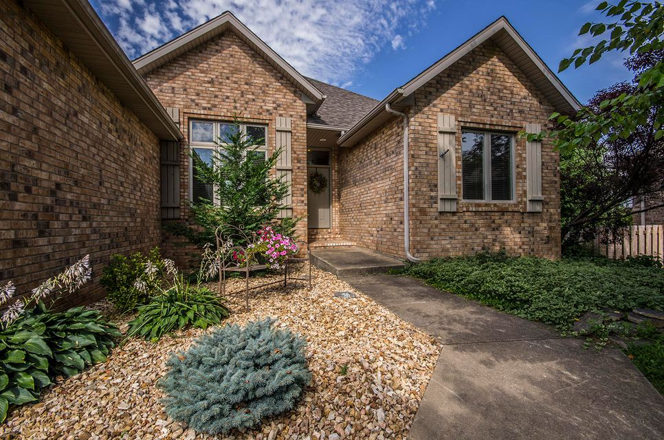 3349 South Catalina Court Springfield, MO 65804