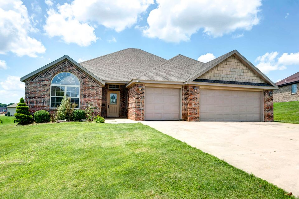 135  Caterpillar Lane Branson, MO 65616