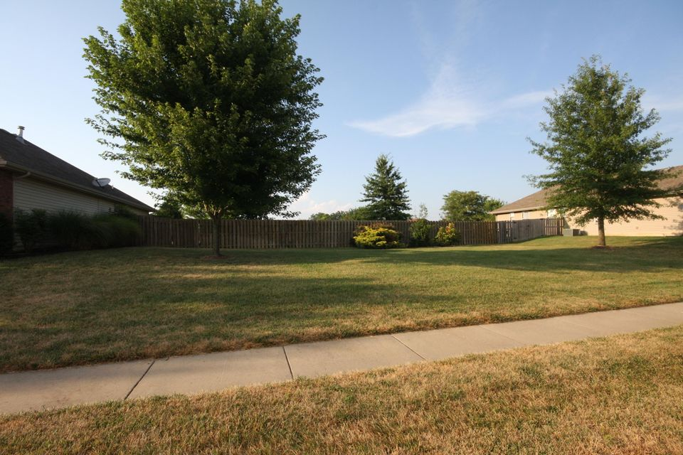 305 West Meadowgate Drive Springfield, MO 65803