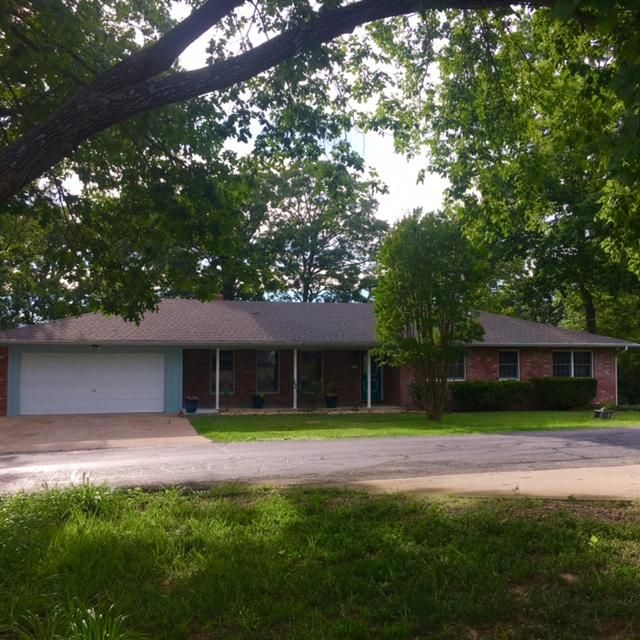 31  Woodland Avenue Kimberling City, MO 65686