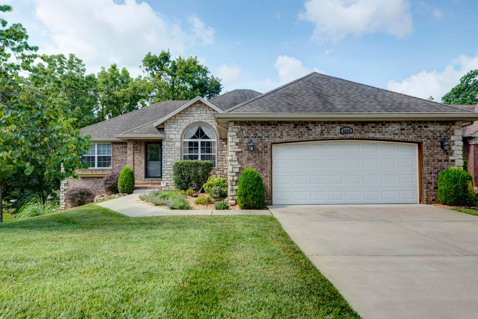 4434 West Forest Ridge Road Battlefield, MO 65619