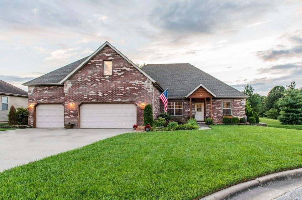 4809 South Tanager Avenue Battlefield, MO 65619