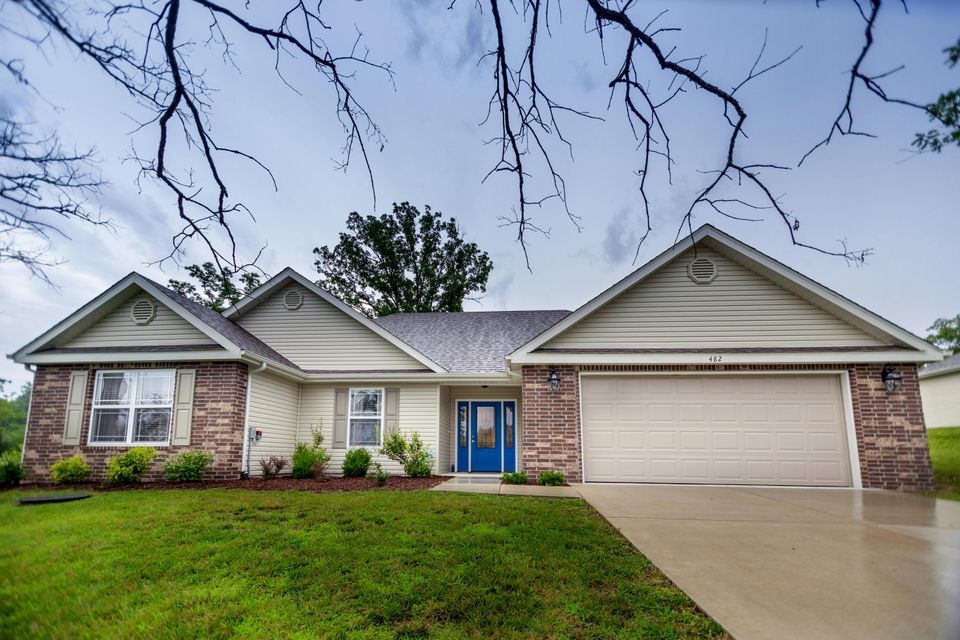 482  Oak Brook Estates Lane Walnut Shade, MO 65771