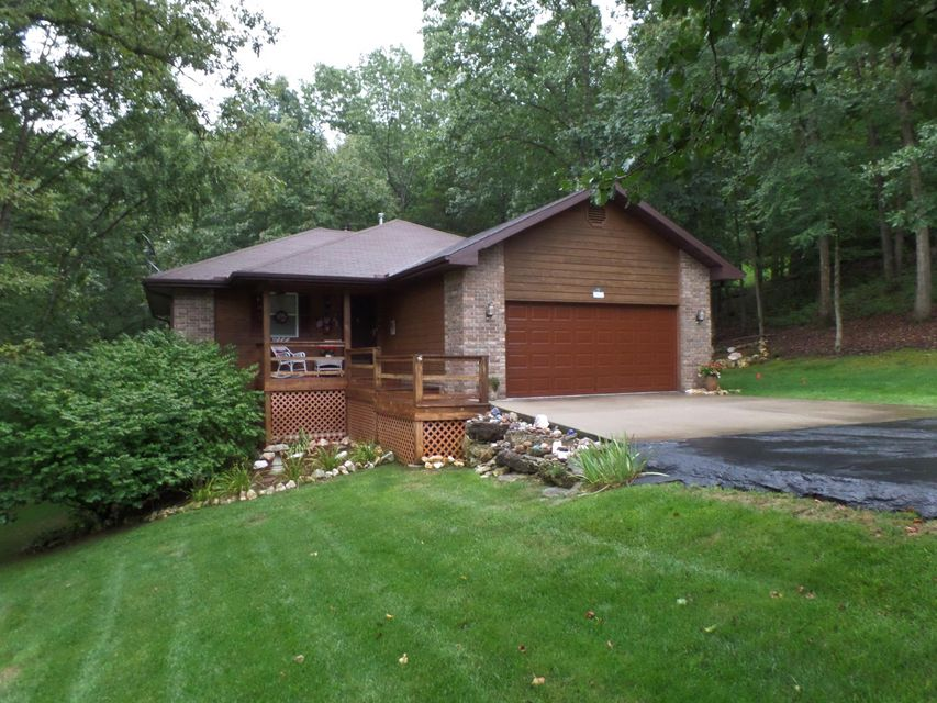 562  Canyon Forest Circle Kimberling City, MO 65686