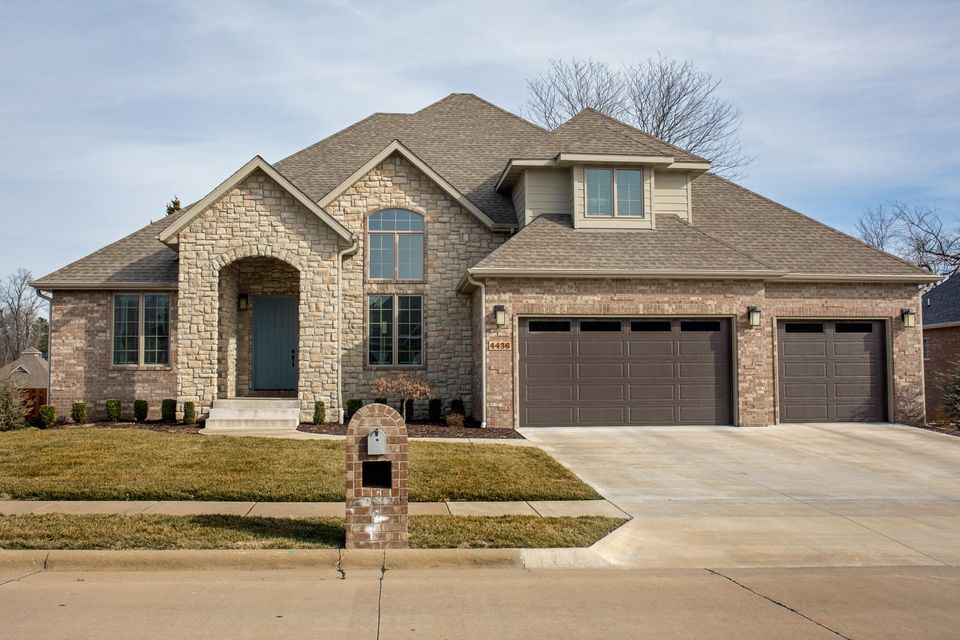 4436 South English Ivy Avenue Springfield, MO 65804