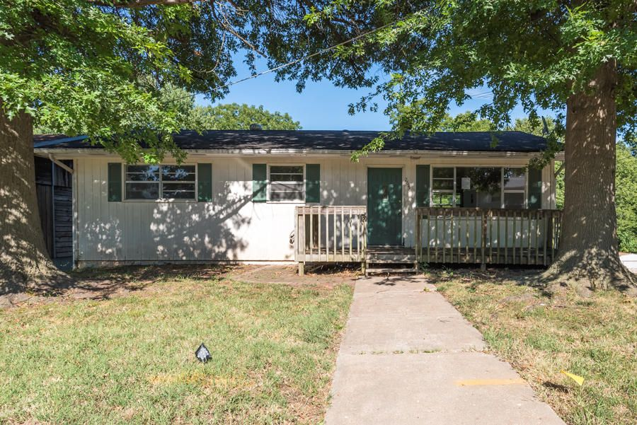 2646 N Johnston Avenue, Springfield, MO 65803