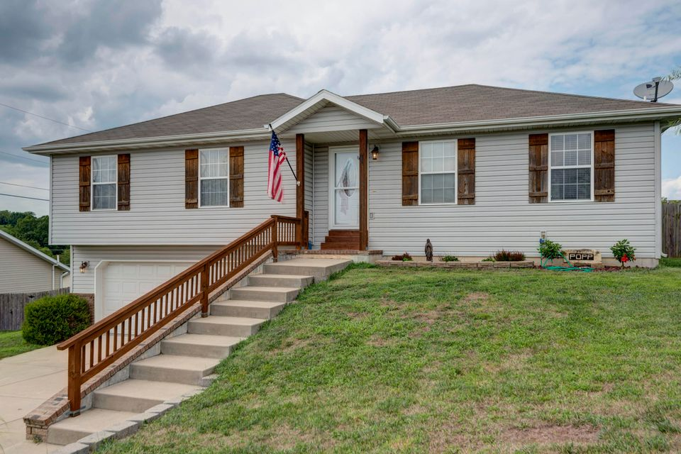1709 West Hartley Street Ozark, MO 65721