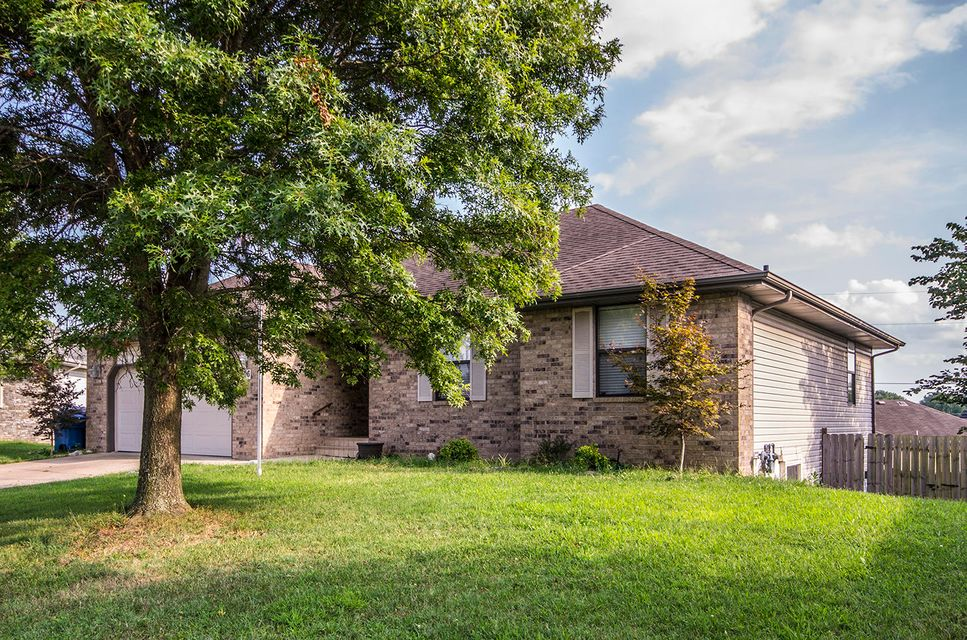 406 West River Birch Court Nixa, MO 65714