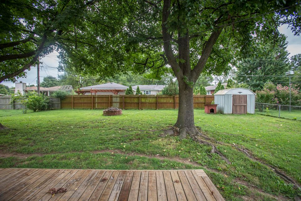 1416 South Sieger Drive Springfield, MO 65804