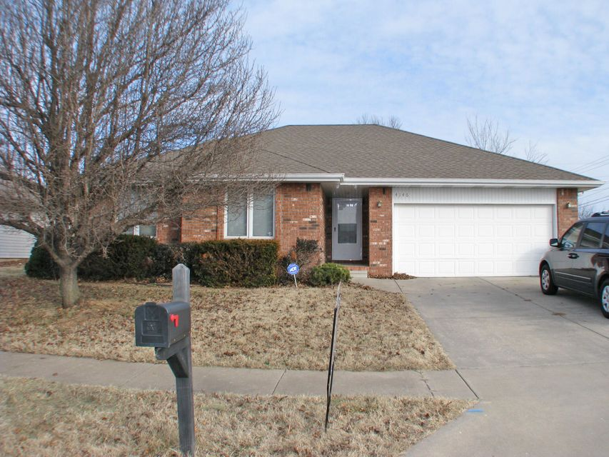 4146 South Parkcrest Avenue Springfield, MO 65807