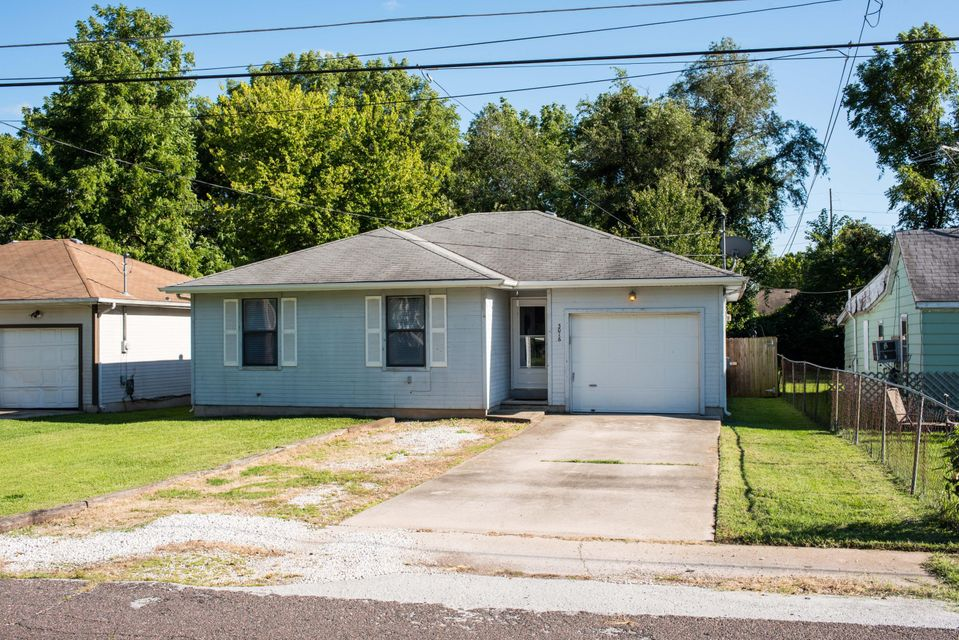 3016 West Hovey Street Springfield, MO 65802