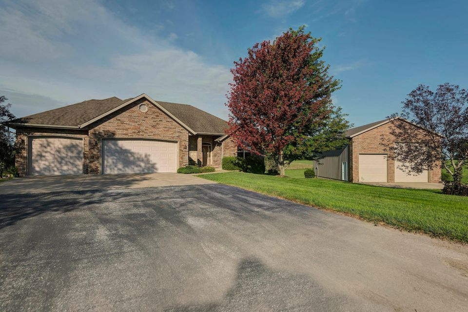 475  Clearspring Road Sparta, MO 65753