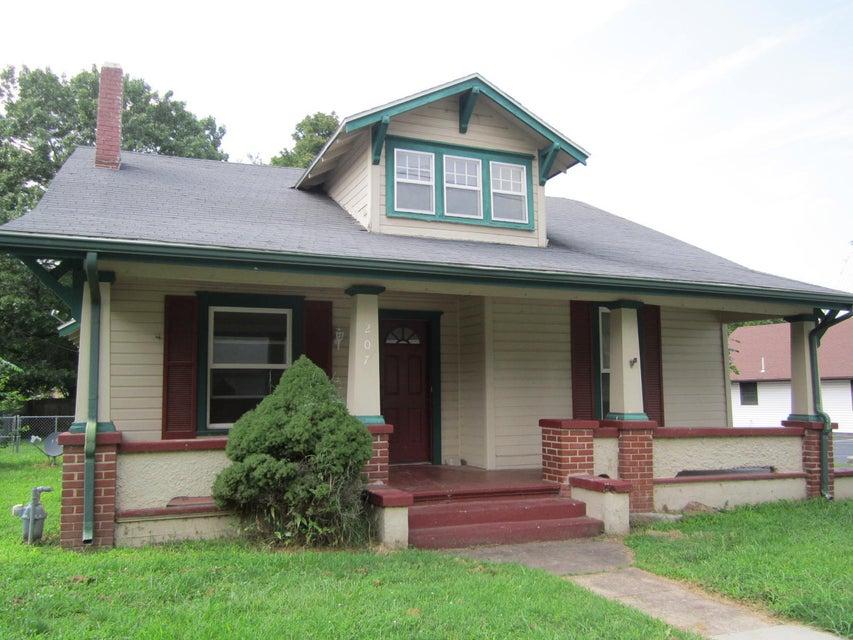 207 North Calhoun Avenue Ash Grove, MO 65604
