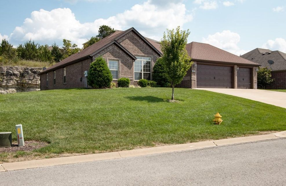 180  Stoney Pointe Drive Hollister, MO 65672