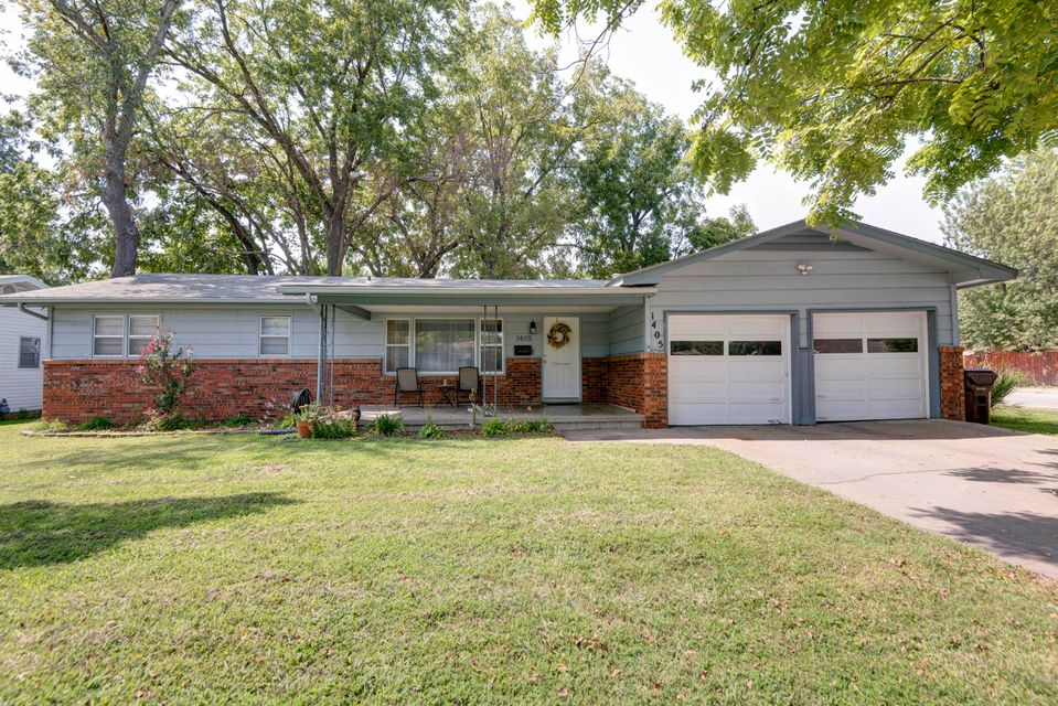 1405 South Sieger Drive Springfield, MO 65804