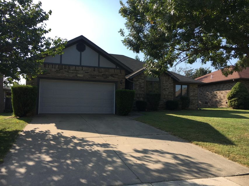 2425 South Nolting Avenue Springfield, MO 65807