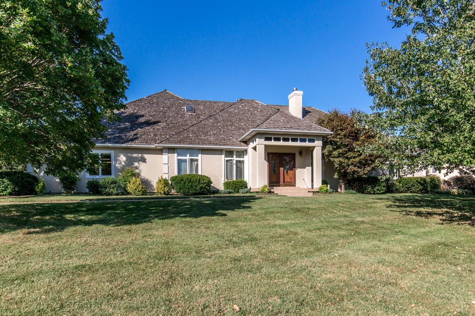 3695 East Turtle Hatch Road Springfield, MO 65809