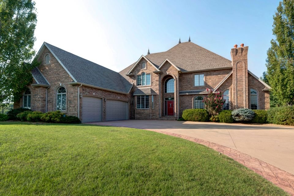 4215 East Turnberry Drive Springfield, MO 65809