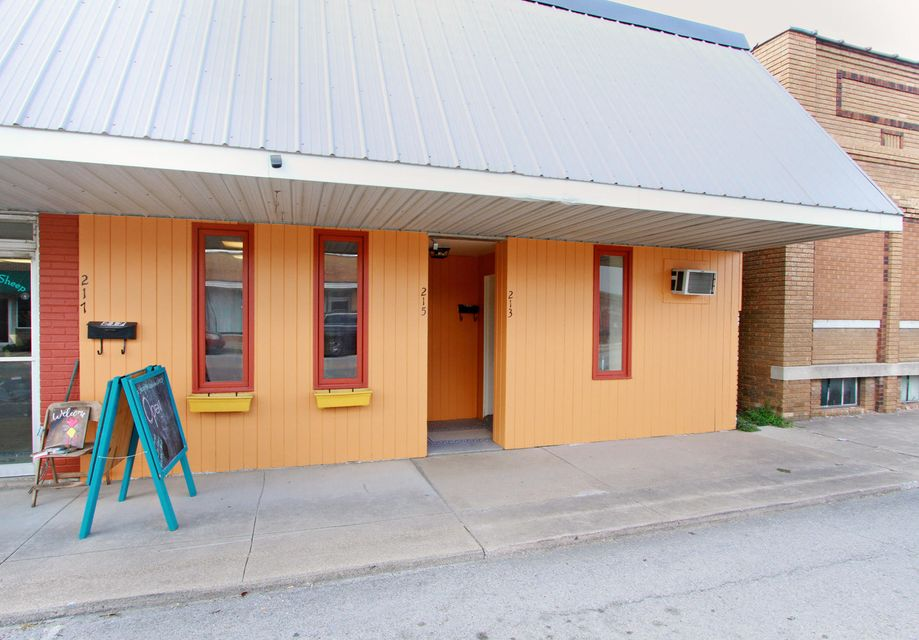 213 South Crittenden Street Marshfield, MO 65706