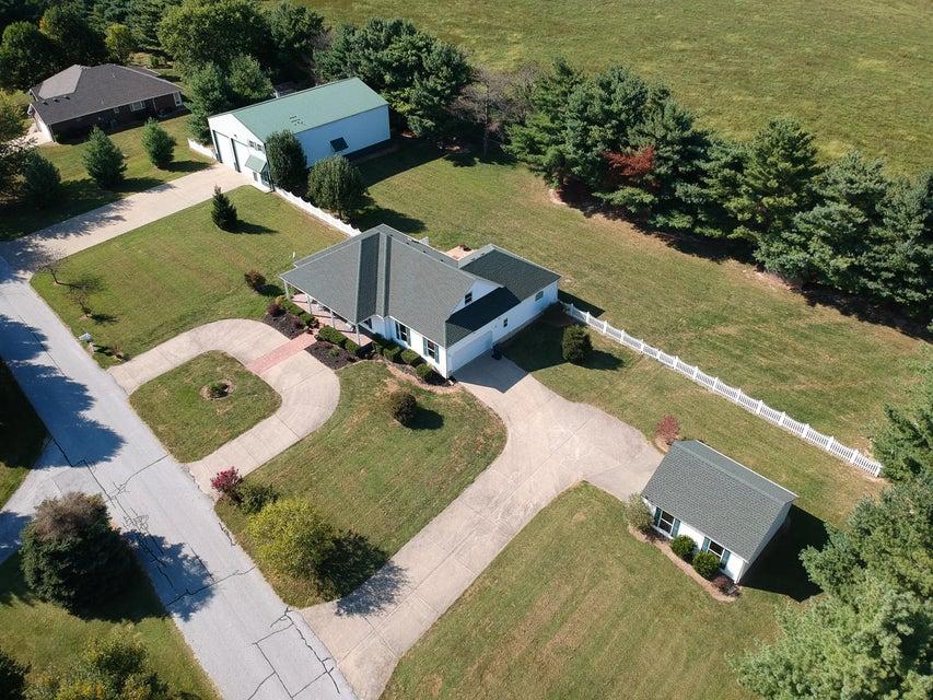 1769 East Lakecrest Drive Ozark, MO 65721