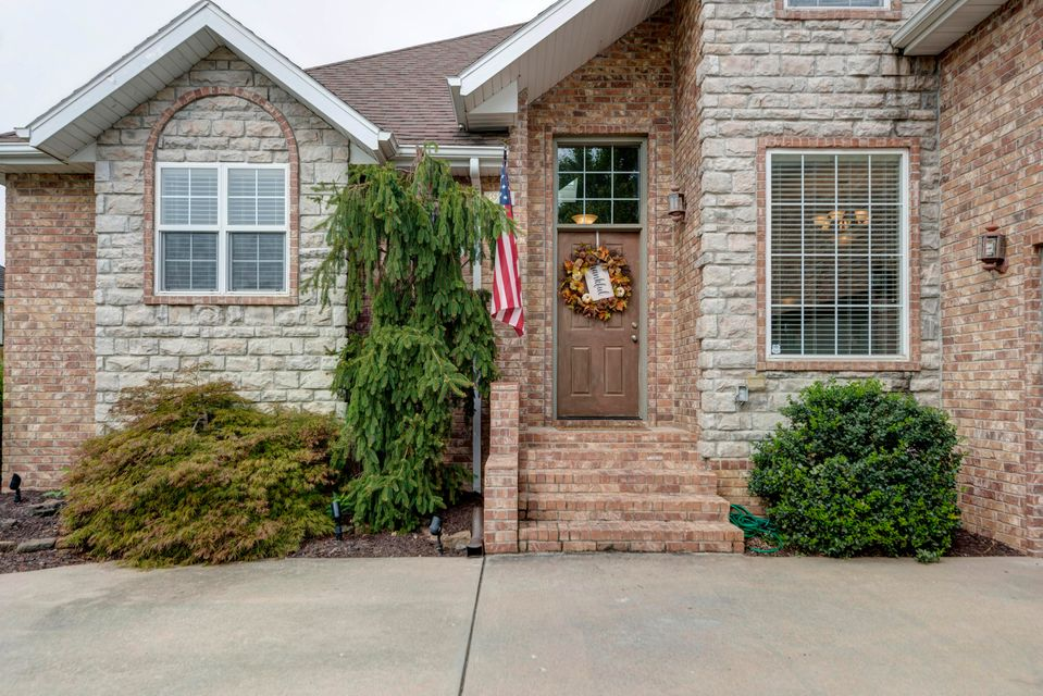4953 South Tanager Avenue Battlefield, MO 65619