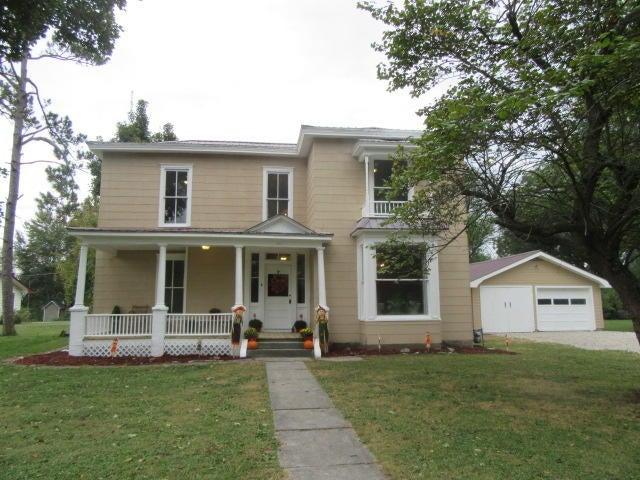 411 East Prairie Lane Ash Grove, MO 65604