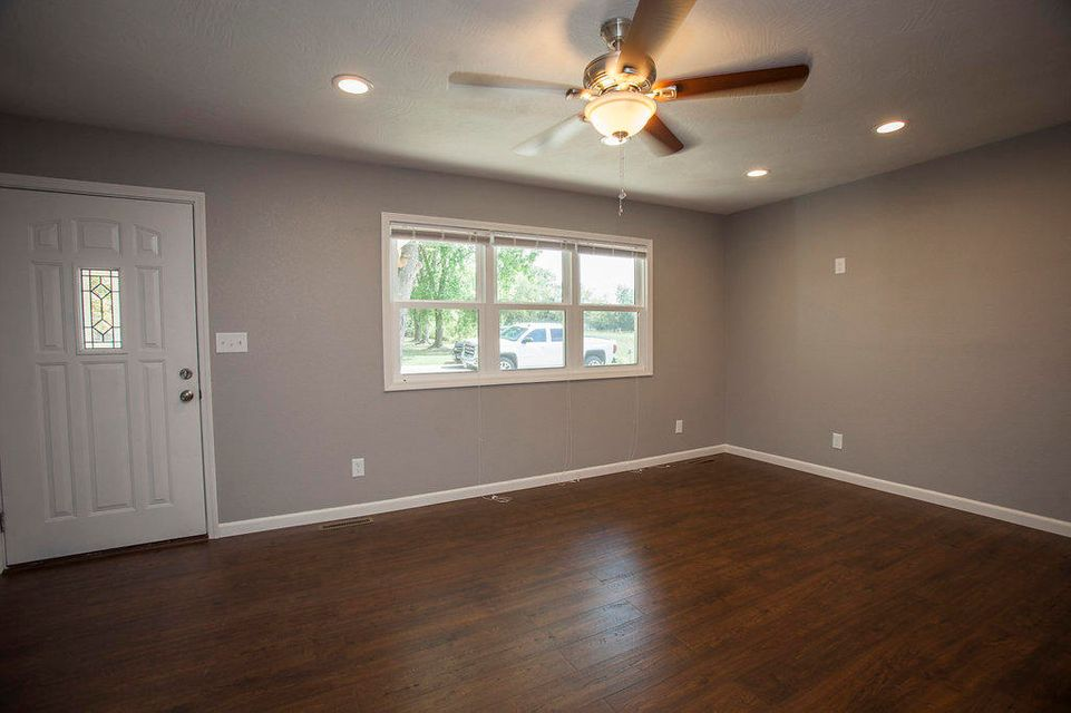 439  Willow Street Sparta, MO 65753