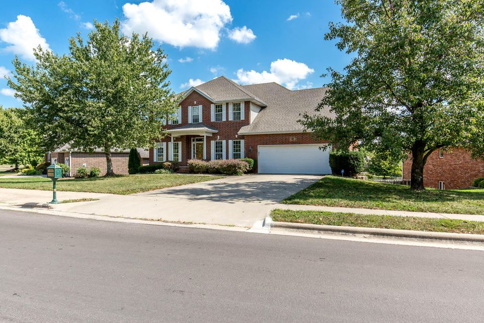 2116 South Celebration Avenue Springfield, MO 65809