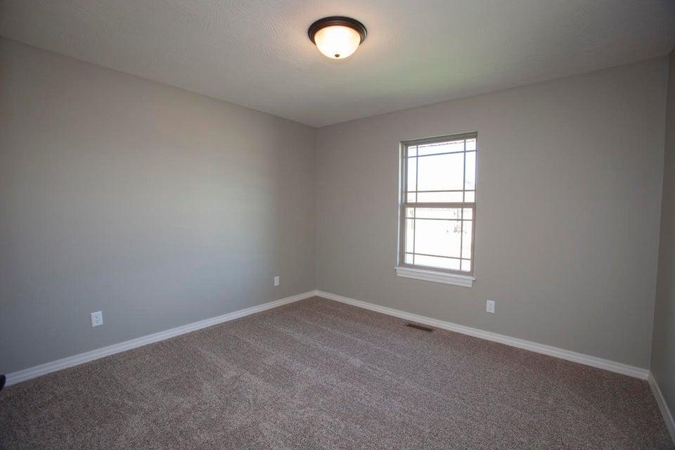 826 South Eastridge Avenue Nixa, MO 65714