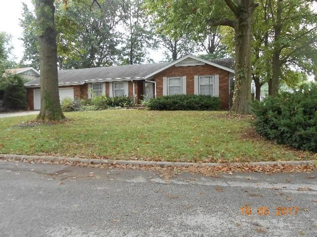 2108 East Meadow Drive Springfield, MO 65804