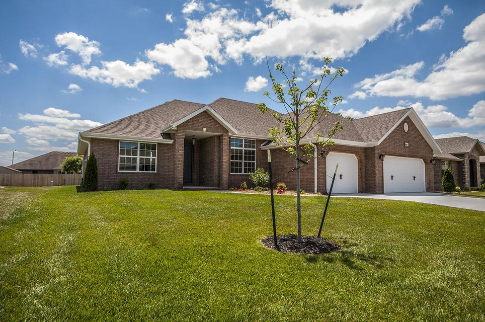 3550 West Tracy Court Springfield, MO 65807