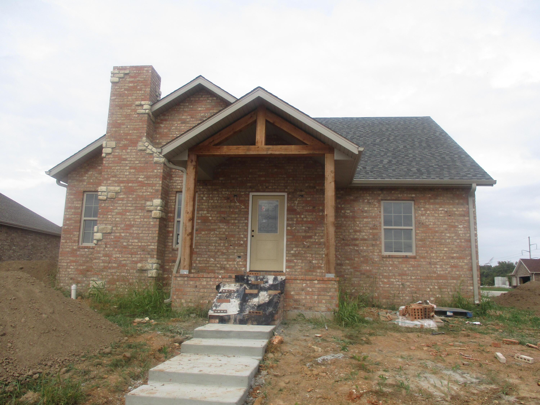 5687 East Gatehouse Drive Strafford, MO 65757