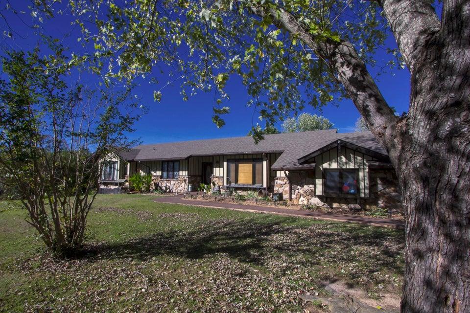 135  Chisholm Trail Forsyth, MO 65653