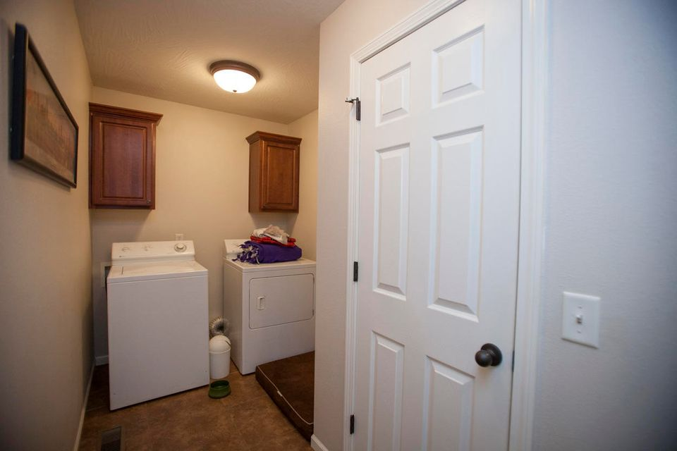 2716 West Cover Drive Ozark, MO 65721