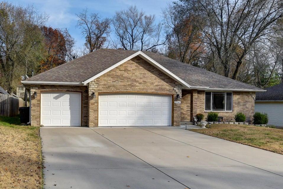 3740 South Oak Avenue Springfield, MO 65804