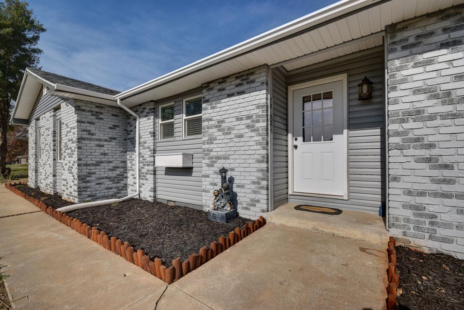 2707 West Bridlewood Trail Ozark, MO 65721