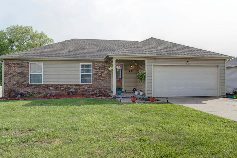707 South Sunmeadow Strafford Mo 65757